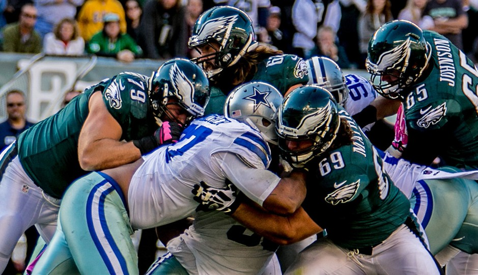 Eagles-offensive-line-battles-Cowboys-Defensive-line-e1387767171819