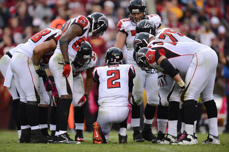 Huddle Falcons