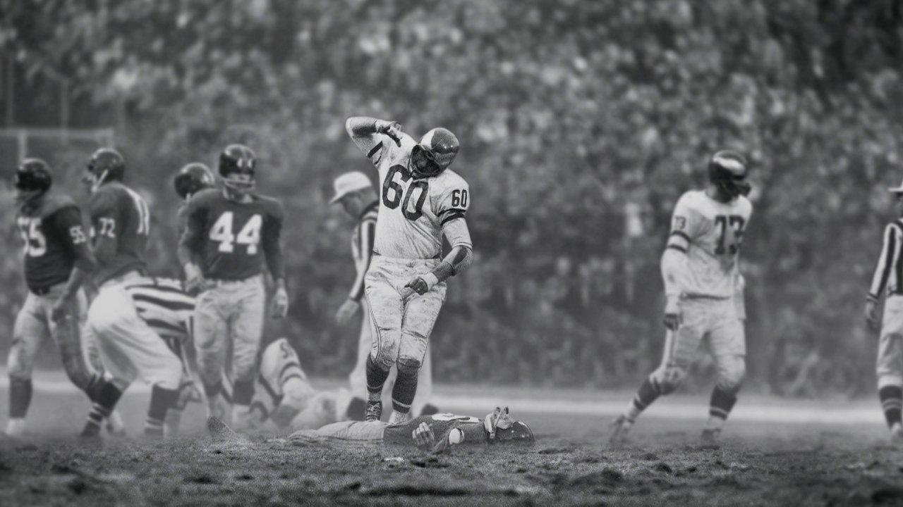 Chuck-Bednarik-NFL-New-York-Giants.jpg