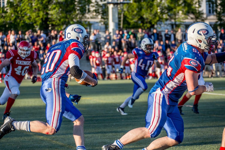 FNL Vikings vs Trolls 2014 Arnesen løp - foto Max Emanuelson
