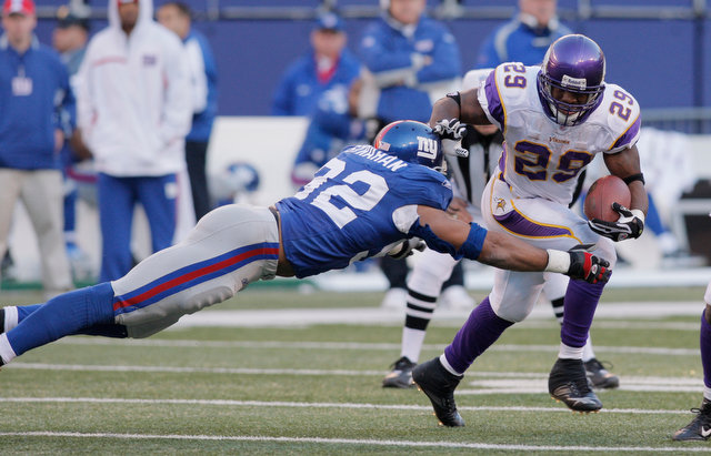 Michael Strahan tackle
