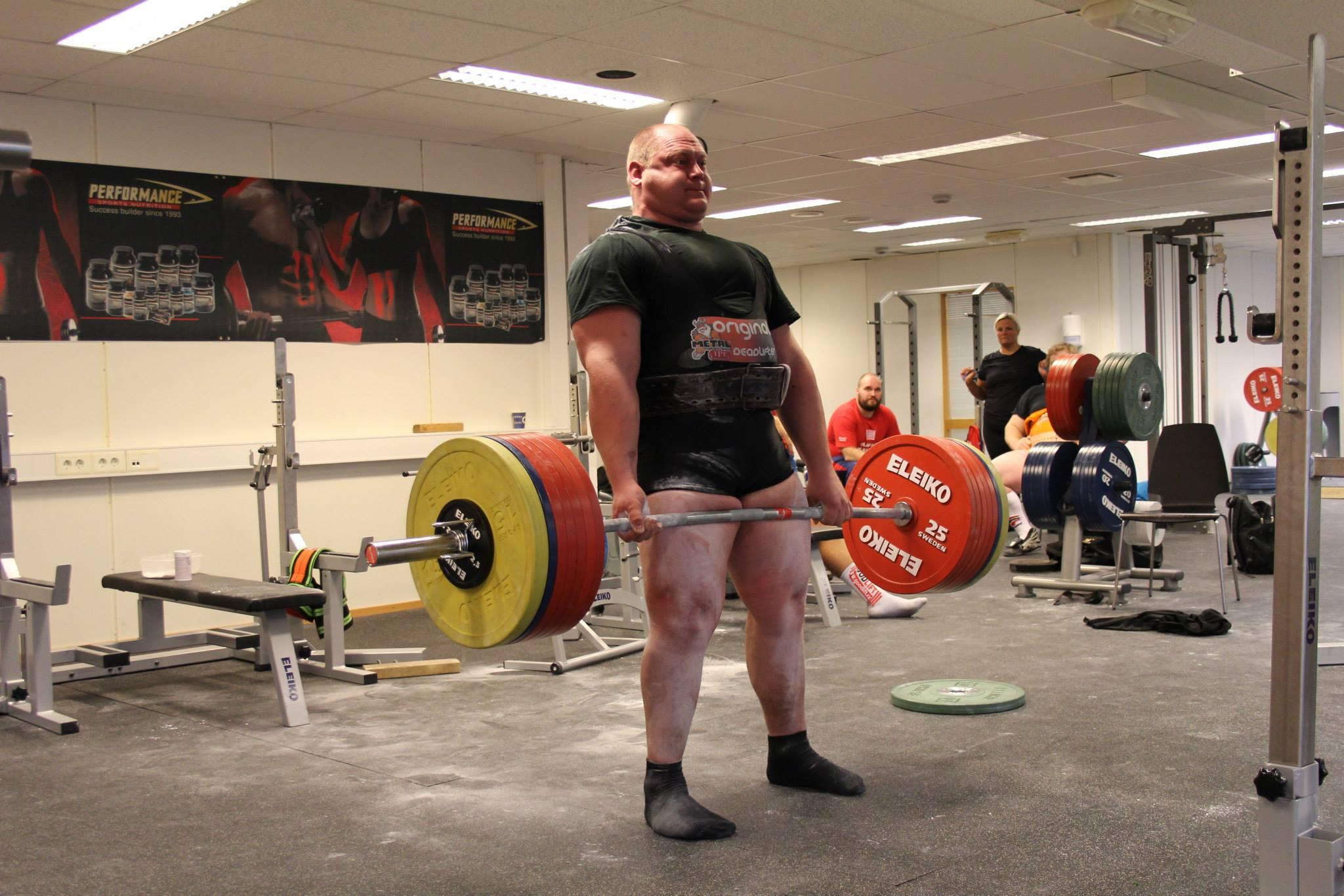 Hans Magne Bårtvedt på Balanz - foto Norges Styrkeløftforbund