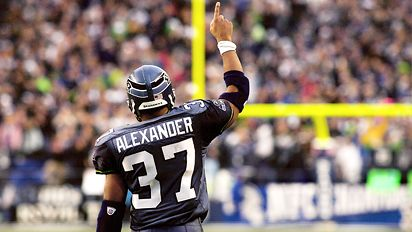 Shaun Alexander og Seattle Seahawks løp Panthers i stykker i Championshipkampen.