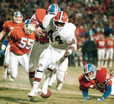 Ballen er ute og Broncos er på vei til Super Bowl.