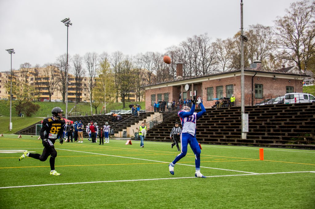 Starfighters vs Trolls II 2016 - Peder Stave TD catch - Foto Max Emanuelson