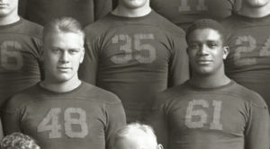 Gerald Ford (48) og Willis Ward (61) for Michigan Wolverines